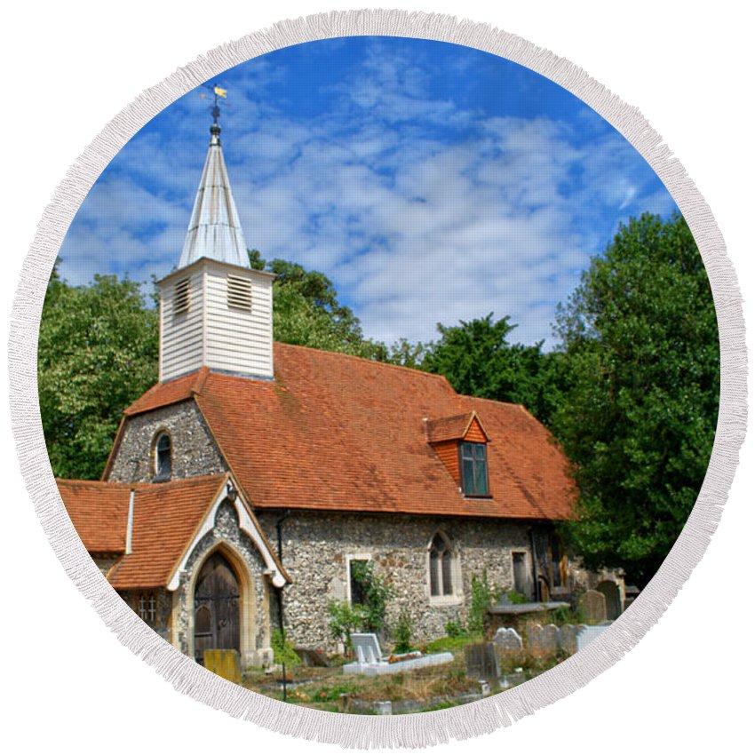 St Laurence Church Round Beach Towel featuring the photograph St Laurence Church Cowley Middlesex by Chris Day