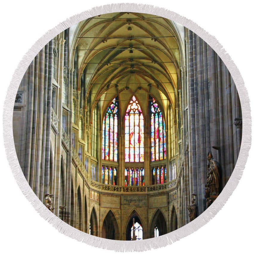 Prague Round Beach Towel featuring the photograph St. Vitus Cathedral by Mariola Bitner