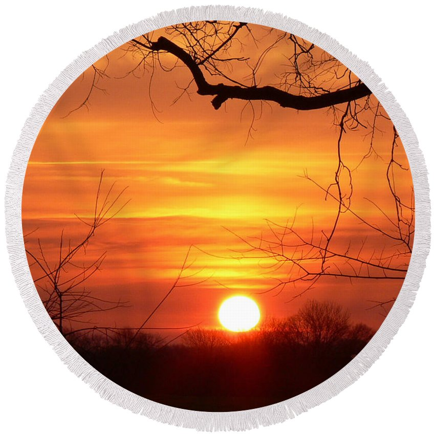 Sunrise Round Beach Towel featuring the photograph Sunrise In Tennessee by Ericamaxine Price