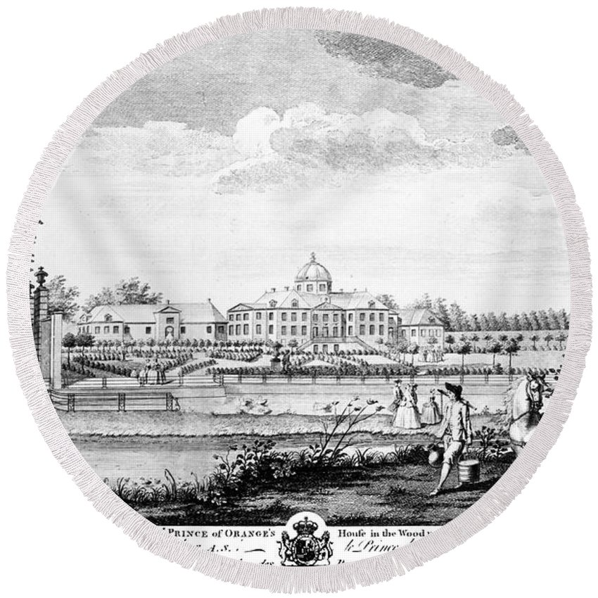 18th Century Round Beach Towel featuring the photograph The Hague: Huis Ten Bosch by Granger