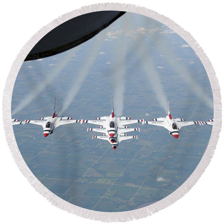 Thunderbirds Round Beach Towel featuring the photograph The U.s. Air Force Thunderbird by Stocktrek Images