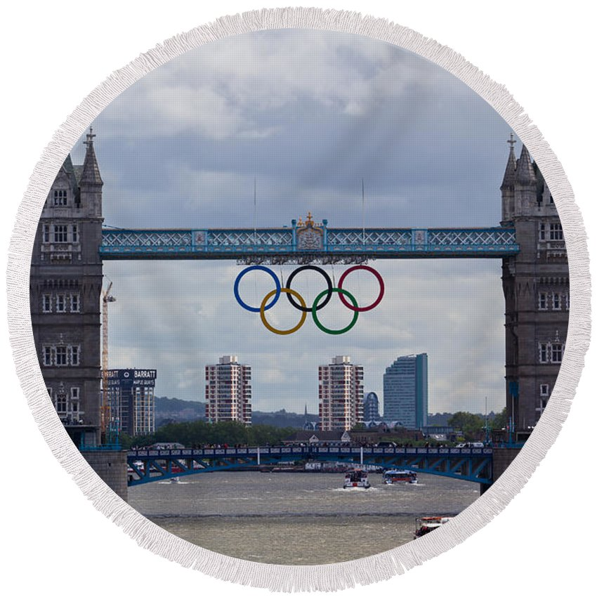 Olympics Round Beach Towel featuring the photograph Tower Bridge by David Pyatt