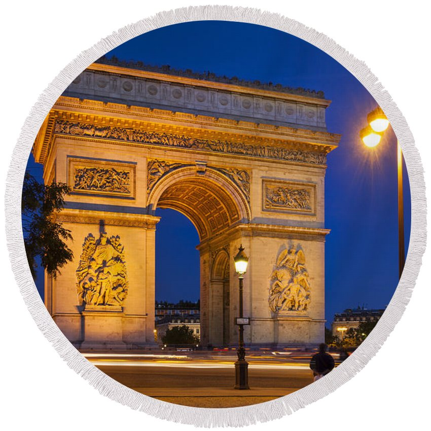 Arc Round Beach Towel featuring the photograph Twilight At Arc De Triomphe by Brian Jannsen