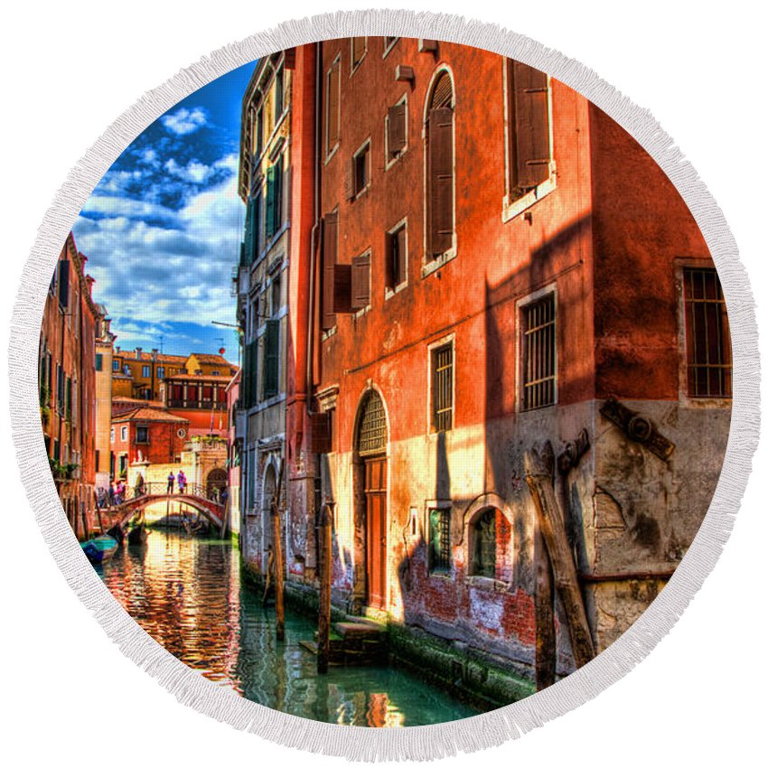 Venice Round Beach Towel featuring the photograph Venice Canal by Jon Berghoff