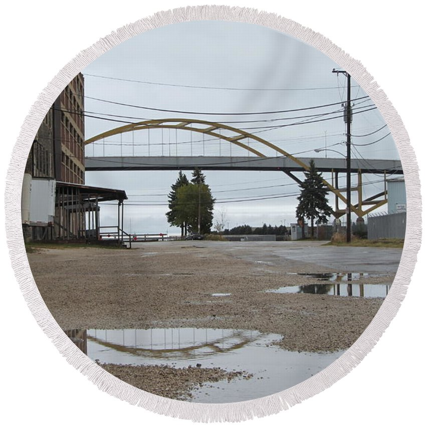 Milwaukee Round Beach Towel featuring the photograph Warehouse And Hoan 2 by Anita Burgermeister