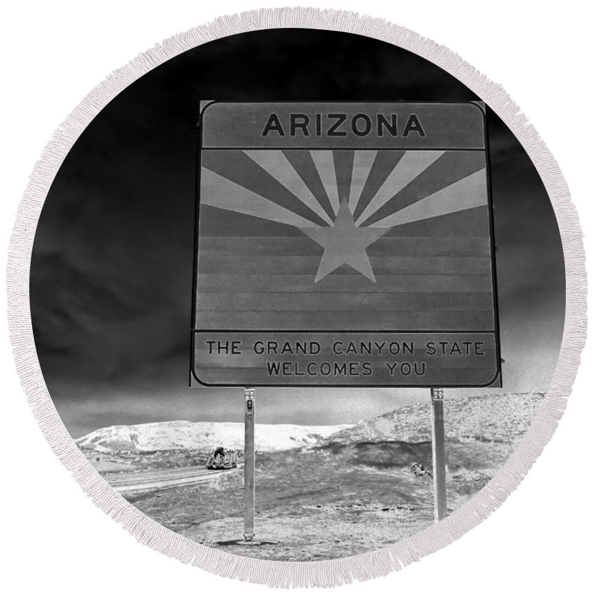 Fine Art Photography Round Beach Towel featuring the photograph Welcome Sign by David Lee Thompson