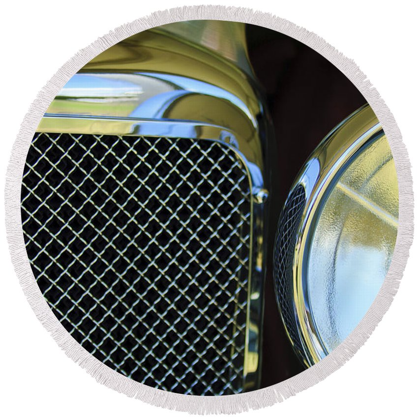 1932 Alvis-6 Speed 20 Sa Round Beach Towel featuring the photograph 1932 Alvis-6 Speed 20 Sa Grille Emblem by Jill Reger