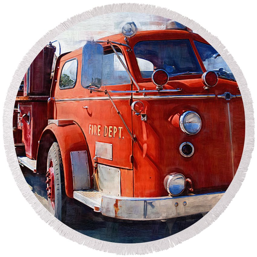 Classic Round Beach Towel featuring the photograph 1954 American Lafrance Classic Fire Engine Truck by Kathy Clark