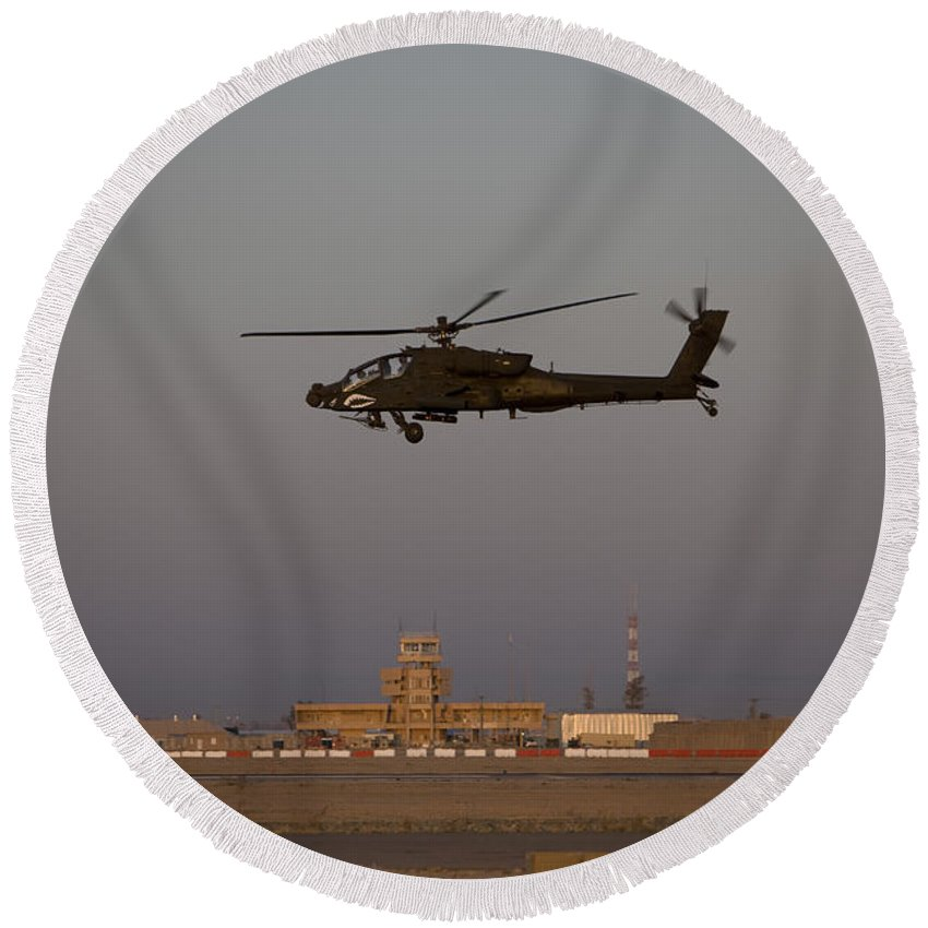 Aircraft Round Beach Towel featuring the photograph An Ah-64d Apache Longbow Block IIi by Terry Moore