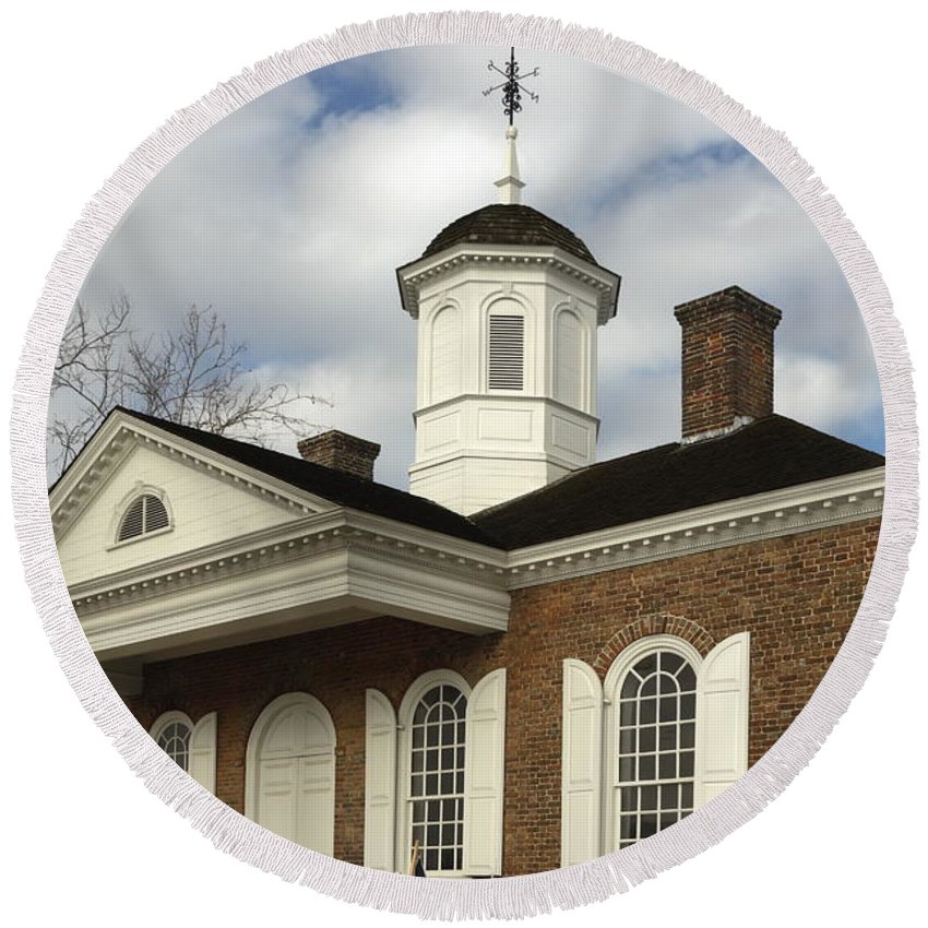 Courthouse Round Beach Towel featuring the photograph Colonial Williamsburg Courthouse by Sally Weigand
