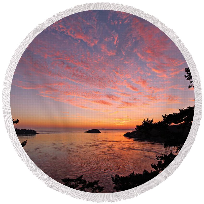 Landscape Round Beach Towel featuring the photograph Sunset by Paul Fell