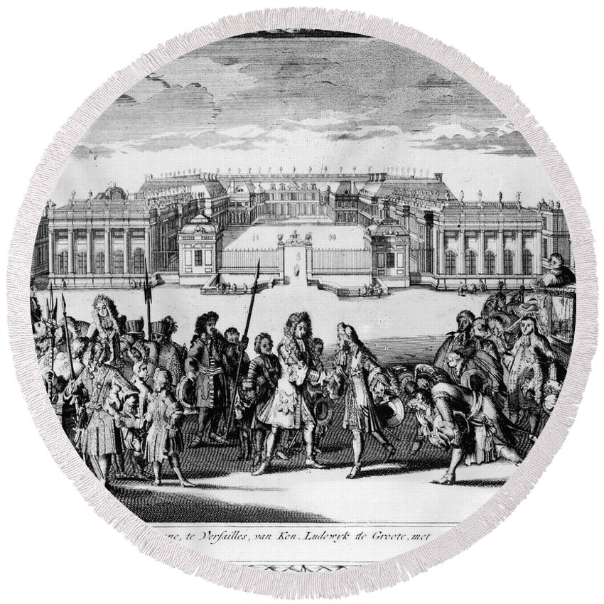 1689 Round Beach Towel featuring the photograph Louis Xiv (1638-1715) by Granger
