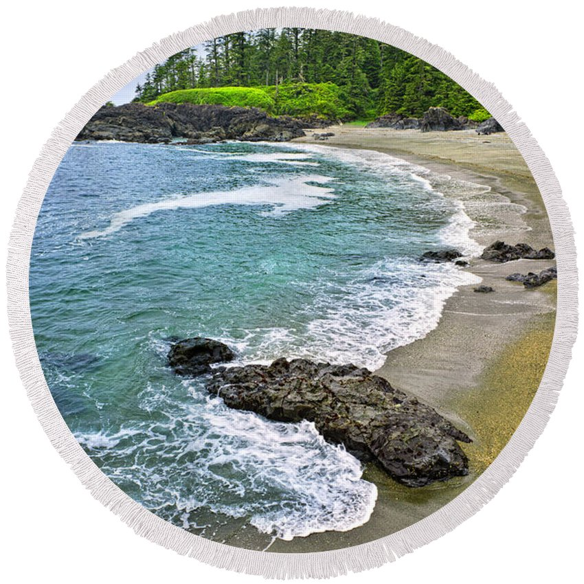 Pacific Round Beach Towel featuring the photograph Coast Of Pacific Ocean In Canada by Elena Elisseeva