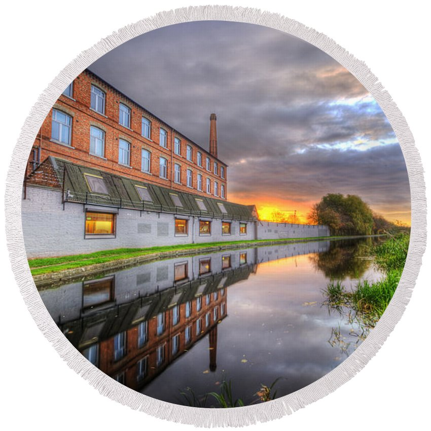 Yhun Suarez Round Beach Towel featuring the photograph 3m Building Sunrise by Yhun Suarez