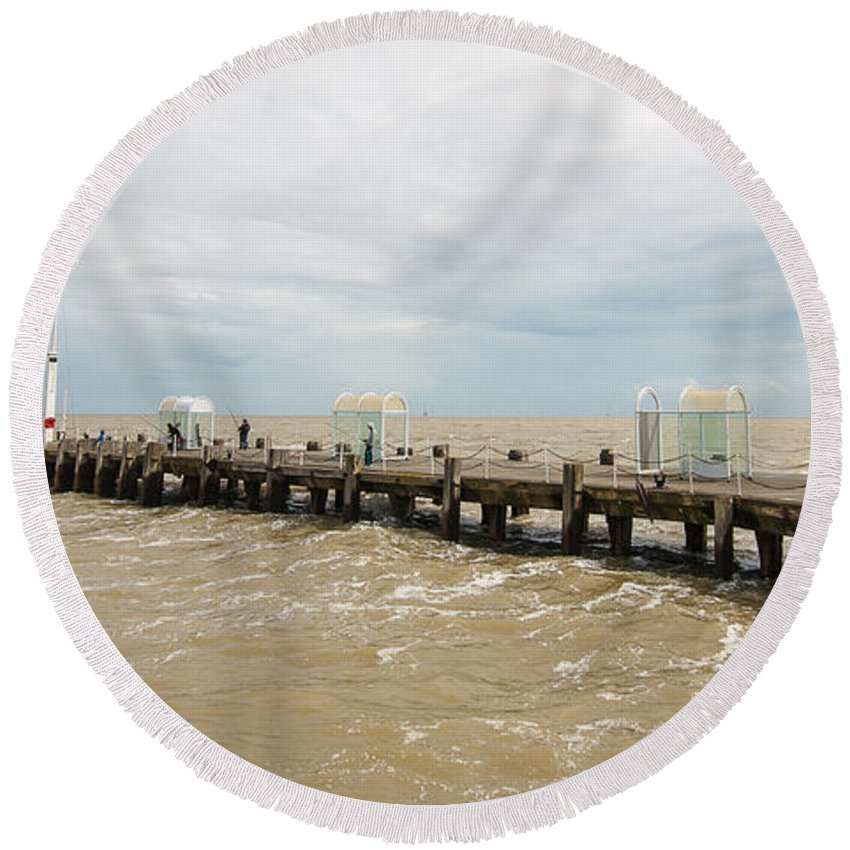 Beach Round Beach Towel featuring the photograph Clacton Pier by Dawn OConnor
