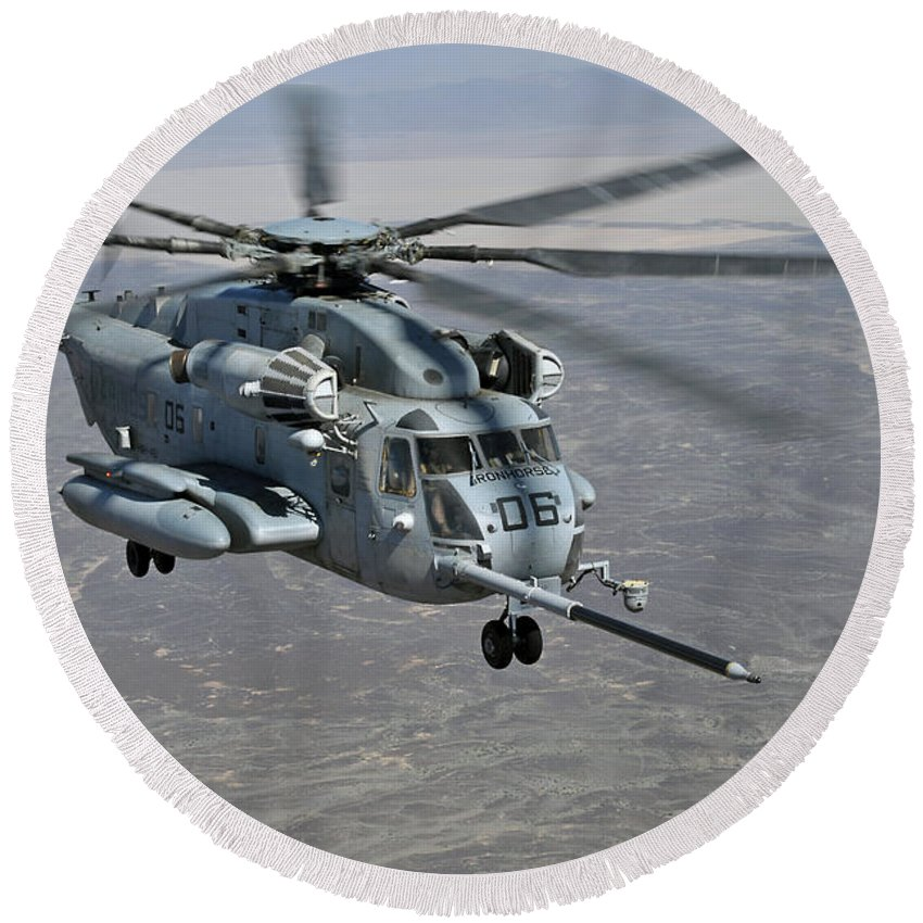 Ch-53e Super Stallion Round Beach Towel featuring the photograph A Ch-53e Super Stallion Approaches by Stocktrek Images