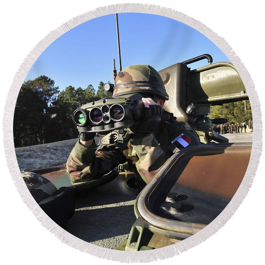 Marine Round Beach Towel featuring the photograph A Soldier Scans The Horizon by Stocktrek Images