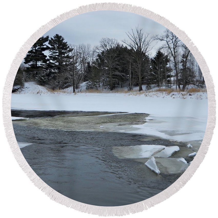 Mississippi River Round Beach Towel featuring the photograph A Stream In Ice by Kent Lorentzen