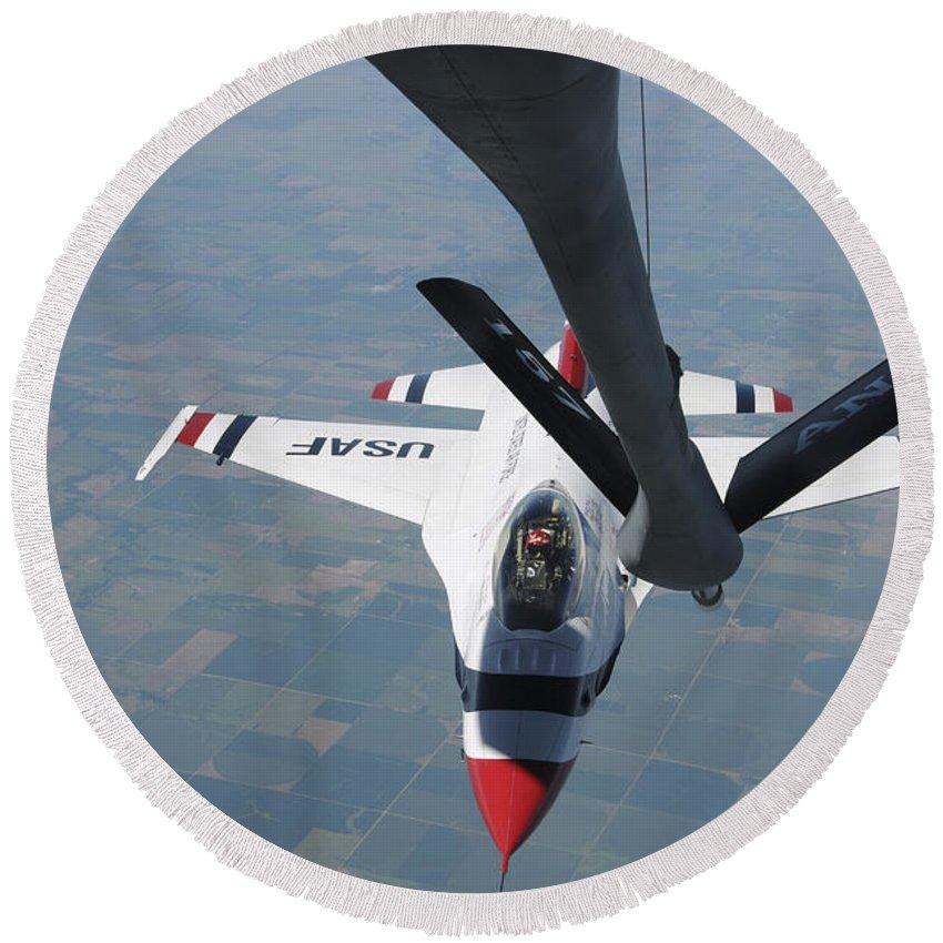 Thunderbirds Round Beach Towel featuring the photograph A U.s. Air Force Thunderbird Pilot by Stocktrek Images