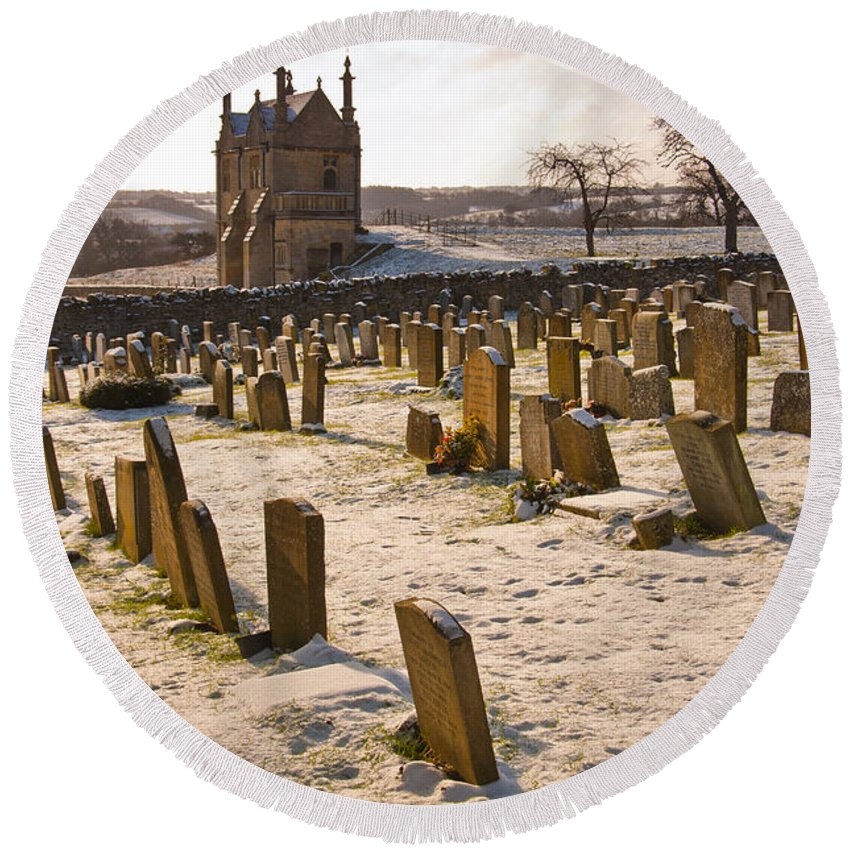 Britain Round Beach Towel featuring the photograph A Winter Graveyard by Andrew Michael