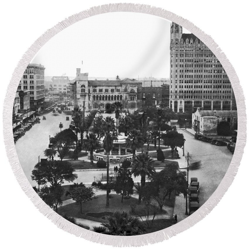 1910's Round Beach Towel featuring the photograph Alamo Plaza In San Antonio by Underwood Archives