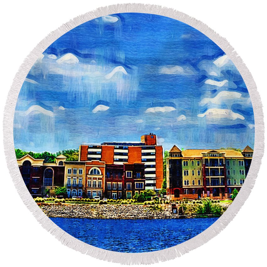 Decatur Round Beach Towel featuring the photograph Along The Tennessee River In Decatur Alabama by Kathy Clark