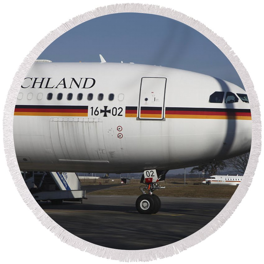 Germany Round Beach Towel featuring the photograph An Airbus 340 Acting As Air Force One by Timm Ziegenthaler