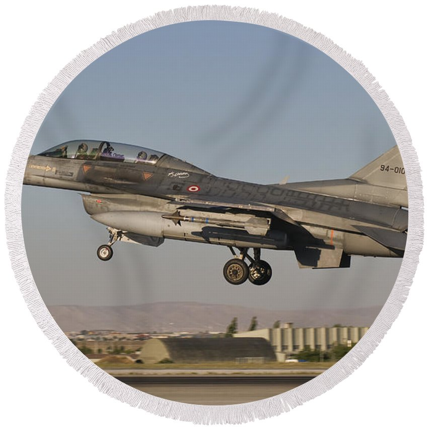 Turkey Round Beach Towel featuring the photograph An F-16b Of The Turkish Air Force by Giovanni Colla