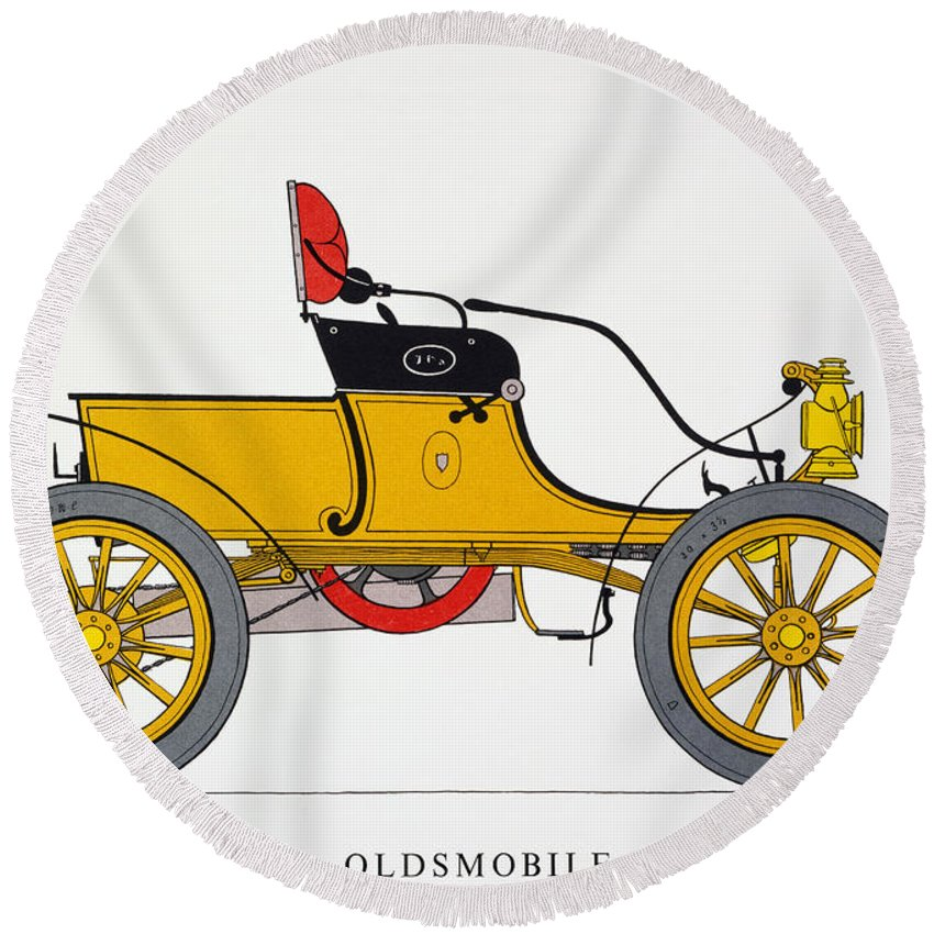 1904 Round Beach Towel featuring the photograph Auto: Oldsmobile, 1904 by Granger