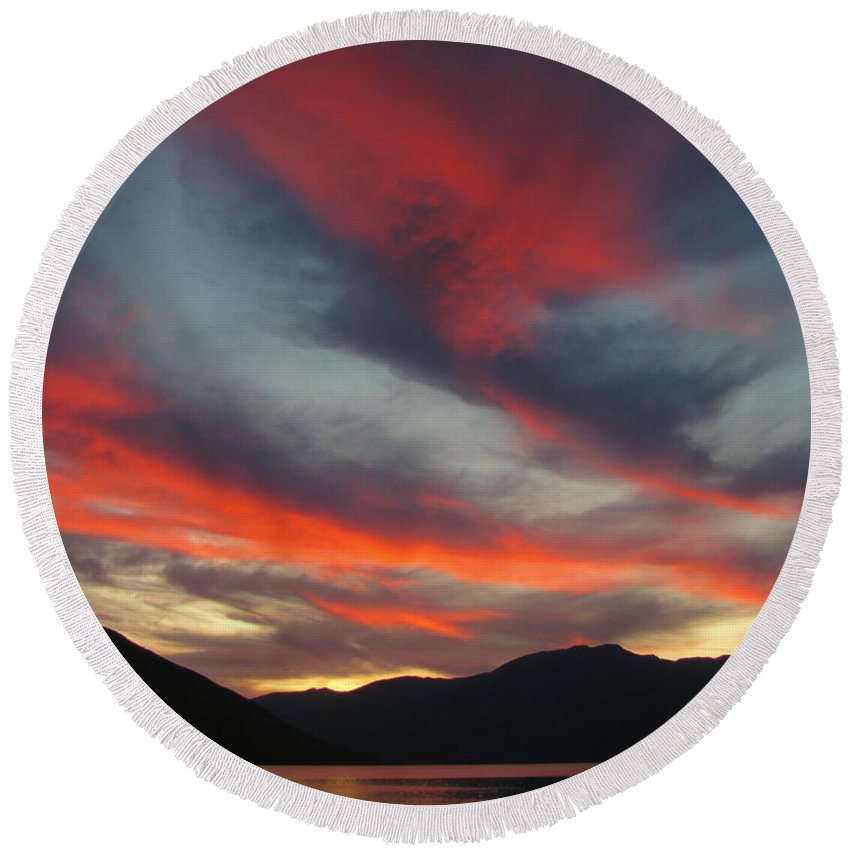 Autumn Round Beach Towel featuring the photograph Autumn Glory by Leone Lund