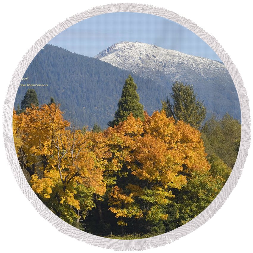 Illinois Valley Round Beach Towel featuring the photograph Autumn In The Illinois Valley by Mick Anderson