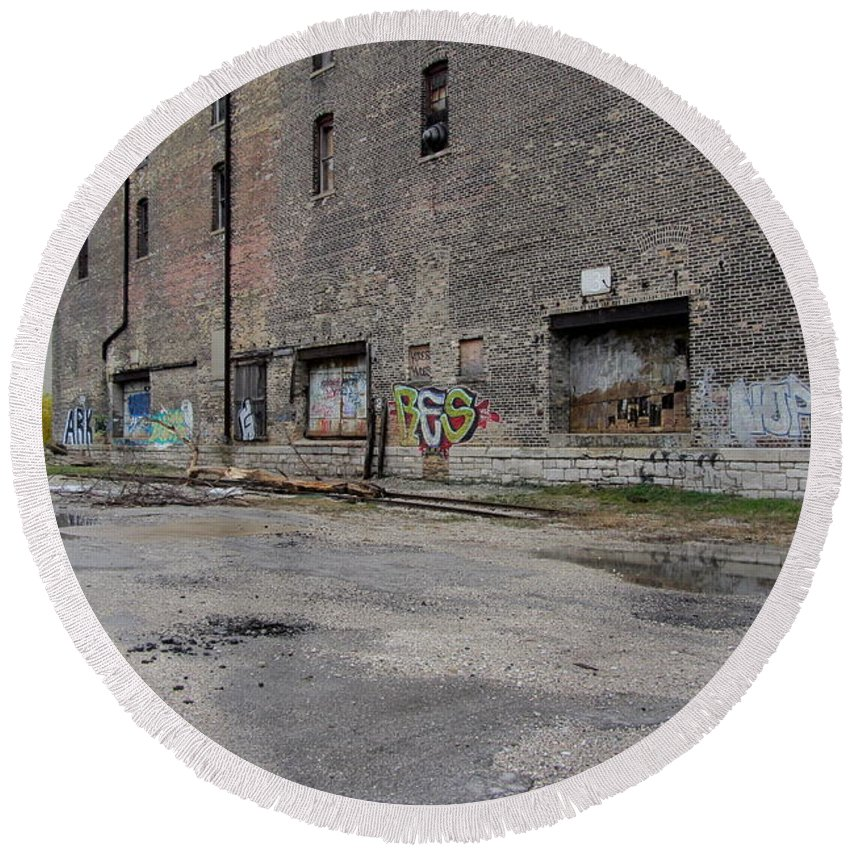 Milwaukee Round Beach Towel featuring the painting Back Of Warehouse Loading Dock by Anita Burgermeister