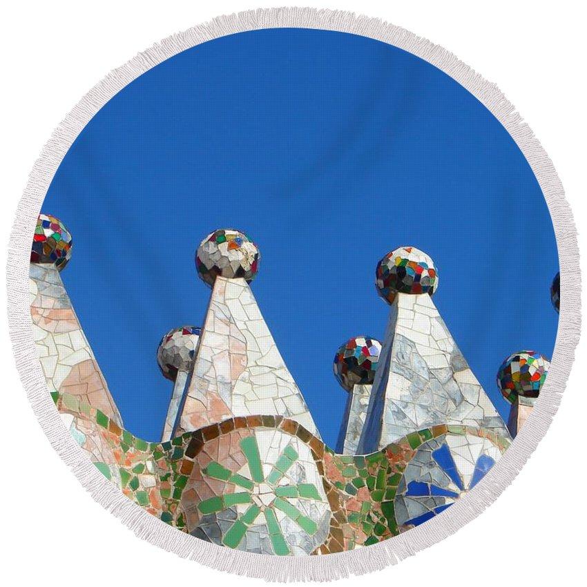 Barcelona Round Beach Towel featuring the photograph Barcelona Impression 2 by Ana Maria Edulescu