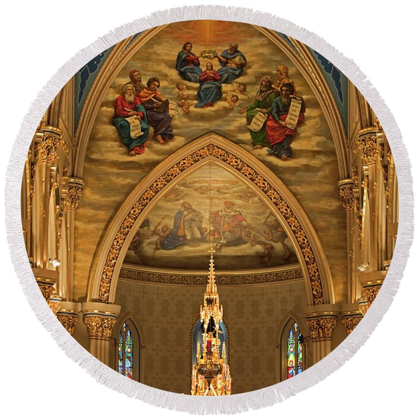 Basilica Round Beach Towel featuring the photograph Basilica Of The Sacred Heart by John Stephens