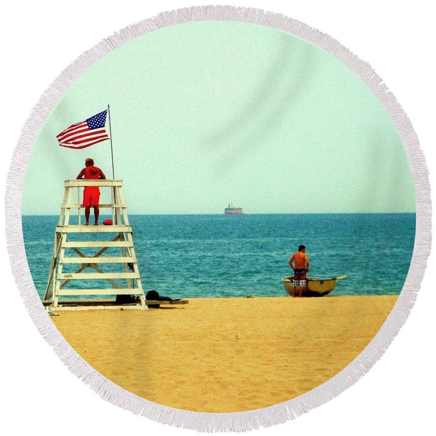 Chicago Round Beach Towel featuring the photograph Baywatch by Valentino Visentini