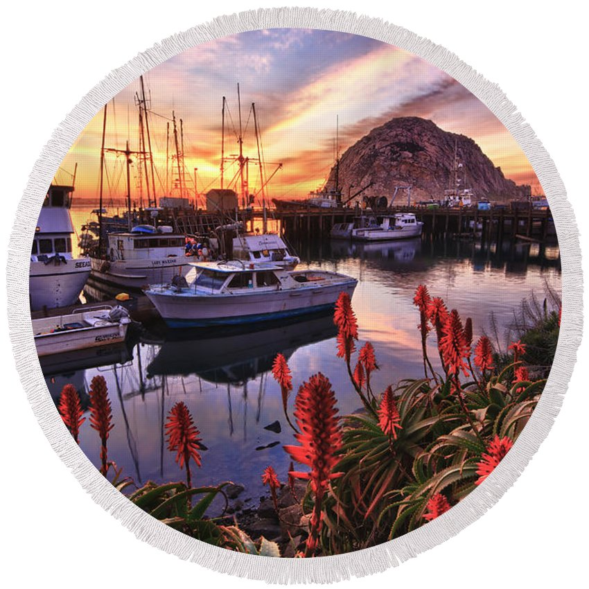 Sunset Round Beach Towel featuring the photograph Beautiful Morro Bay by Beth Sargent