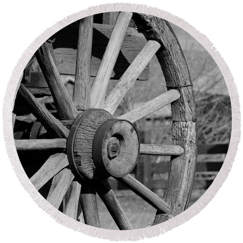 Wagon Wheel Round Beach Towel featuring the photograph Black And White Wagon Wheel by Athena Mckinzie
