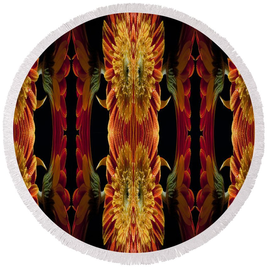 Abstract Round Beach Towel featuring the photograph Blumen Kunst by Nathan Wright