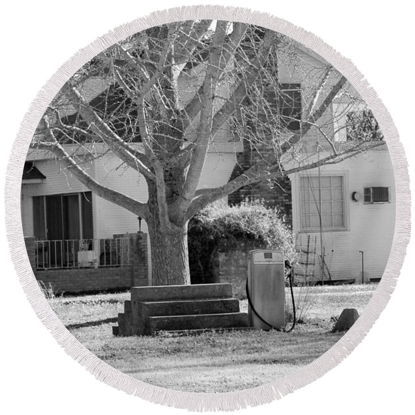 Bobo Round Beach Towel featuring the photograph Boyd Lane Plantation Bw by Karen Wagner