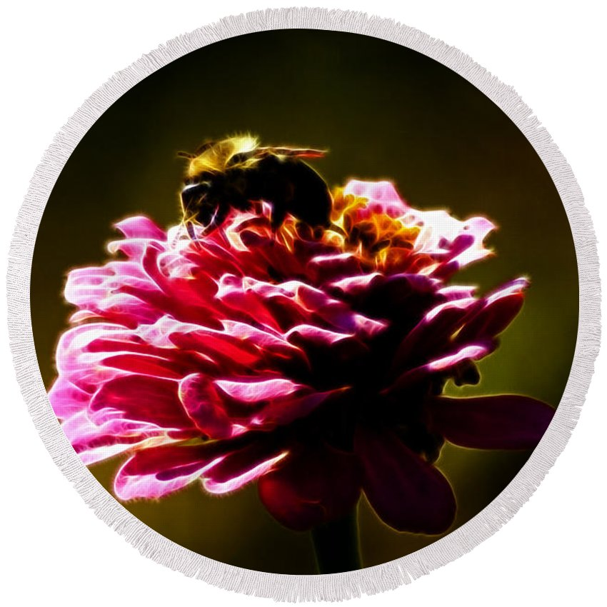 Zinnia Round Beach Towel featuring the photograph Breakfast Of Zinnias by Darleen Stry