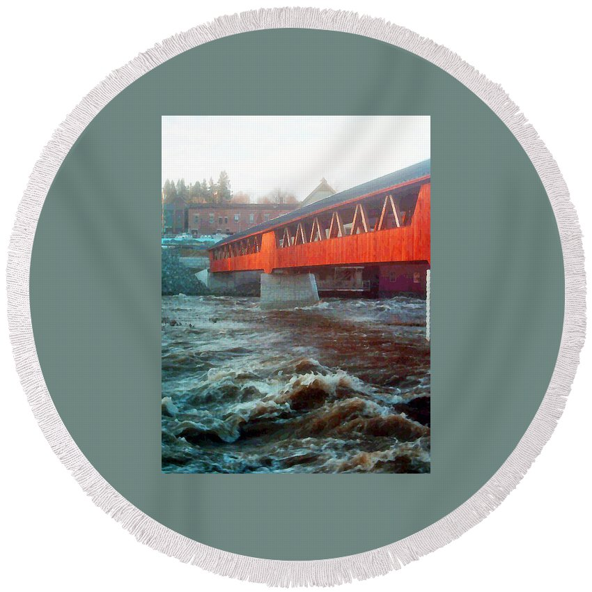Bridge Prints Round Beach Towel featuring the photograph Bridge Across The Ammonoosuc River by Marie Jamieson