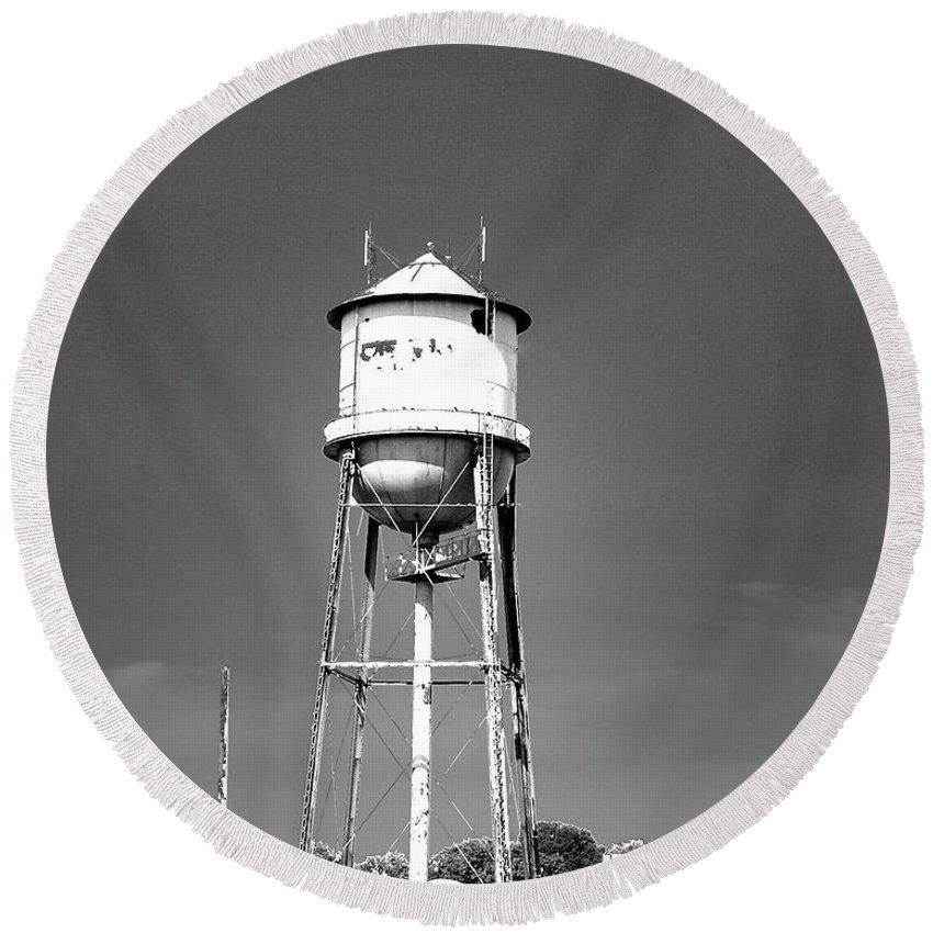 Water Tower Round Beach Towel featuring the digital art Broad Ave Watertower Memphis by Lizi Beard-Ward