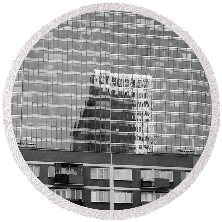 Cityscape Round Beach Towel featuring the photograph Business Center by Dariusz Gudowicz