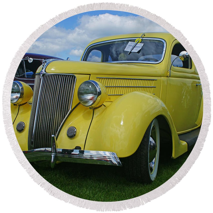 Cars Round Beach Towel featuring the photograph Ca9696-12 by Randy Harris