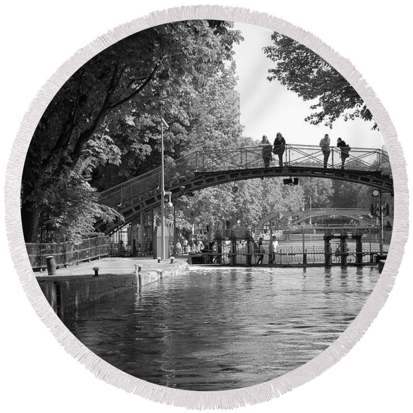 Canal Of St. Martin Round Beach Towel featuring the photograph Canal Of St. Martin Bw by Eric Tressler