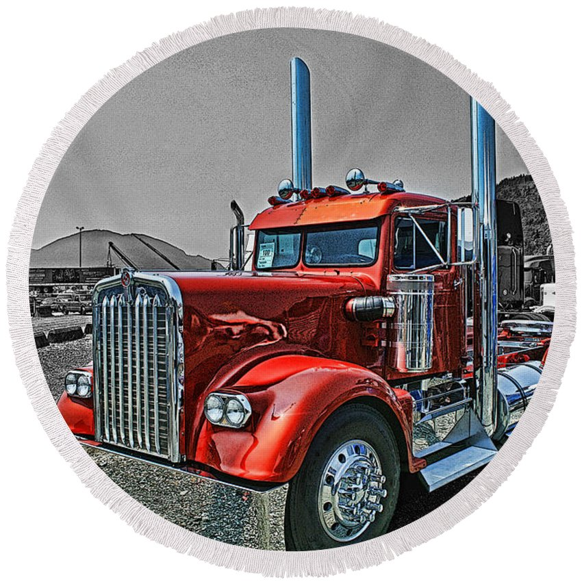Trucks Round Beach Towel featuring the photograph Catr0395-12 by Randy Harris