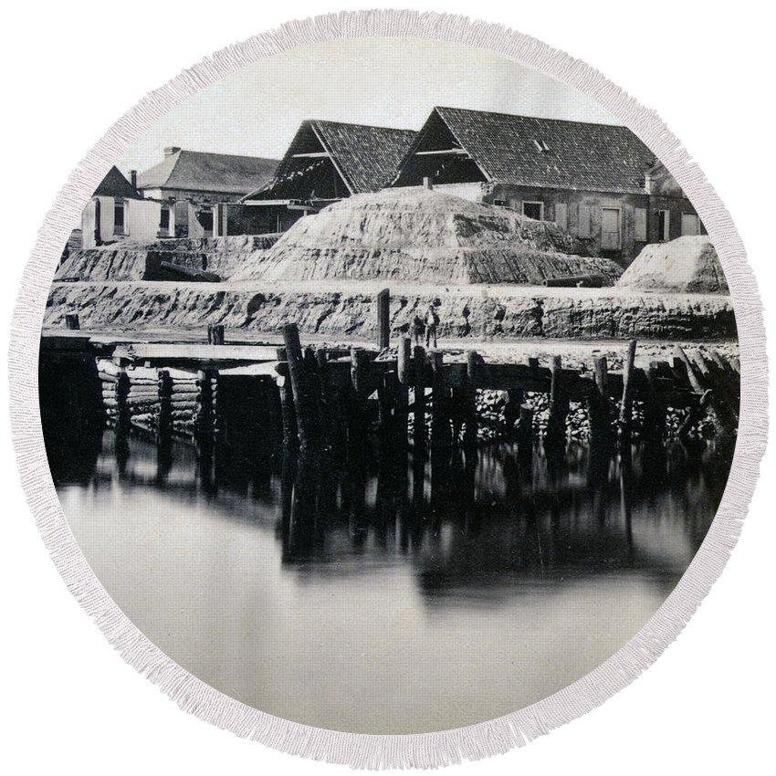 Vanderhorst Round Beach Towel featuring the photograph Charleston South Carolina - Vanderhorst Wharf - C 1865 by International Images