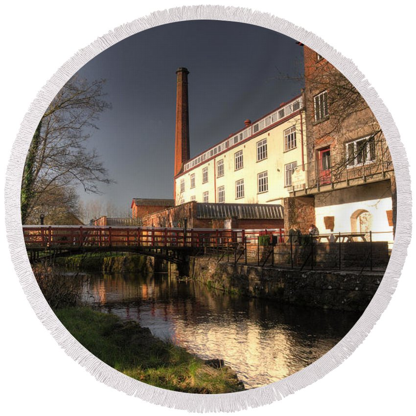 Coldharbour Mill Round Beach Towel featuring the photograph Coldharbour Mill by Rob Hawkins