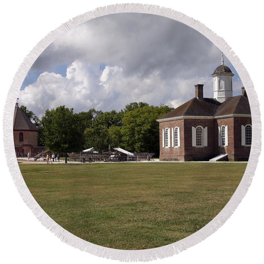 Courthouse Round Beach Towel featuring the photograph Colonial Williamsburg Scene by Sally Weigand