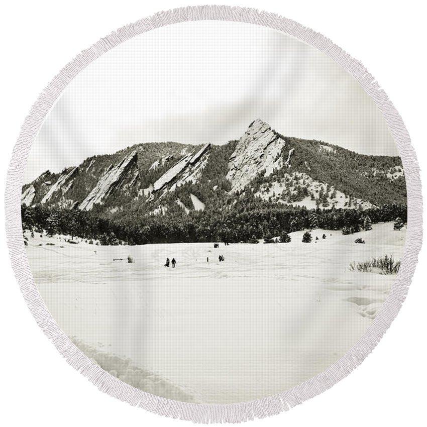 Camp Round Beach Towel featuring the photograph Colorado Boulder Flatirons by Marilyn Hunt